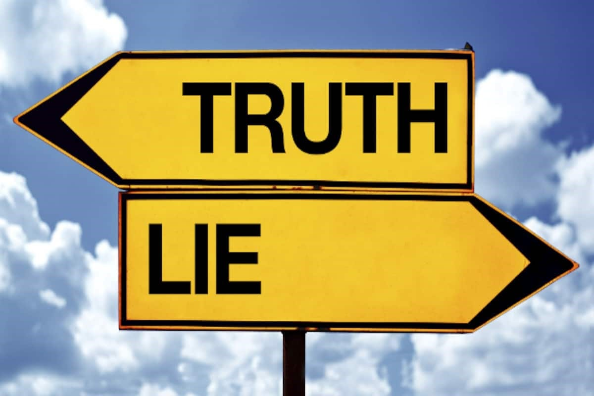 Truth or lie signpost